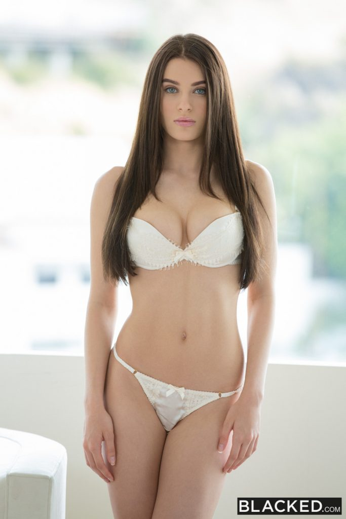 Lana rhoades and sydney cole - on point